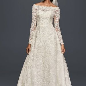 Wedding dress - Off the shoulder lace A-line